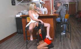 Lezbijki Porno - Cory Chase, Aubrey Rose, Porno W Barze